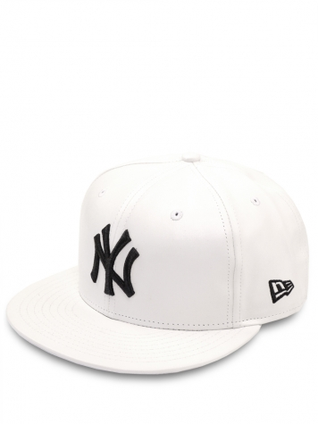 New Era Snapback Cap New York Yankees PU Leather white